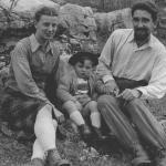 Con la moglie Anna e il primo figlio Alberico a fine anni '40