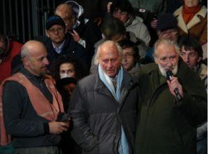 """Col tenente Nelson Cenci alla prima del """"Sergente"""" di Marco Paolini a Zovencedo (Vi) e su La7, il 30 ottobre 2007."""