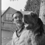 Con l'amato cane Cimbro